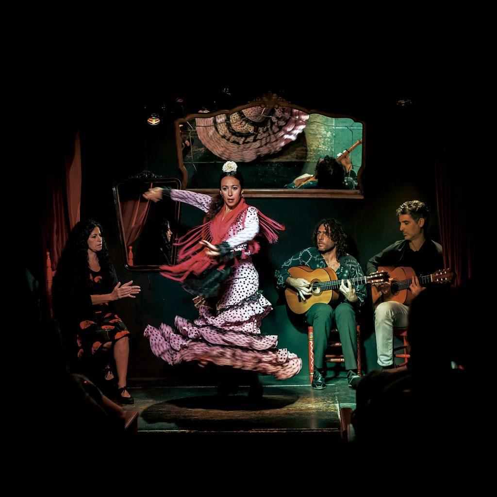 Íntimamente Flamenco. Flamenco en Triana. Flamenco en CasaLa Teatro.