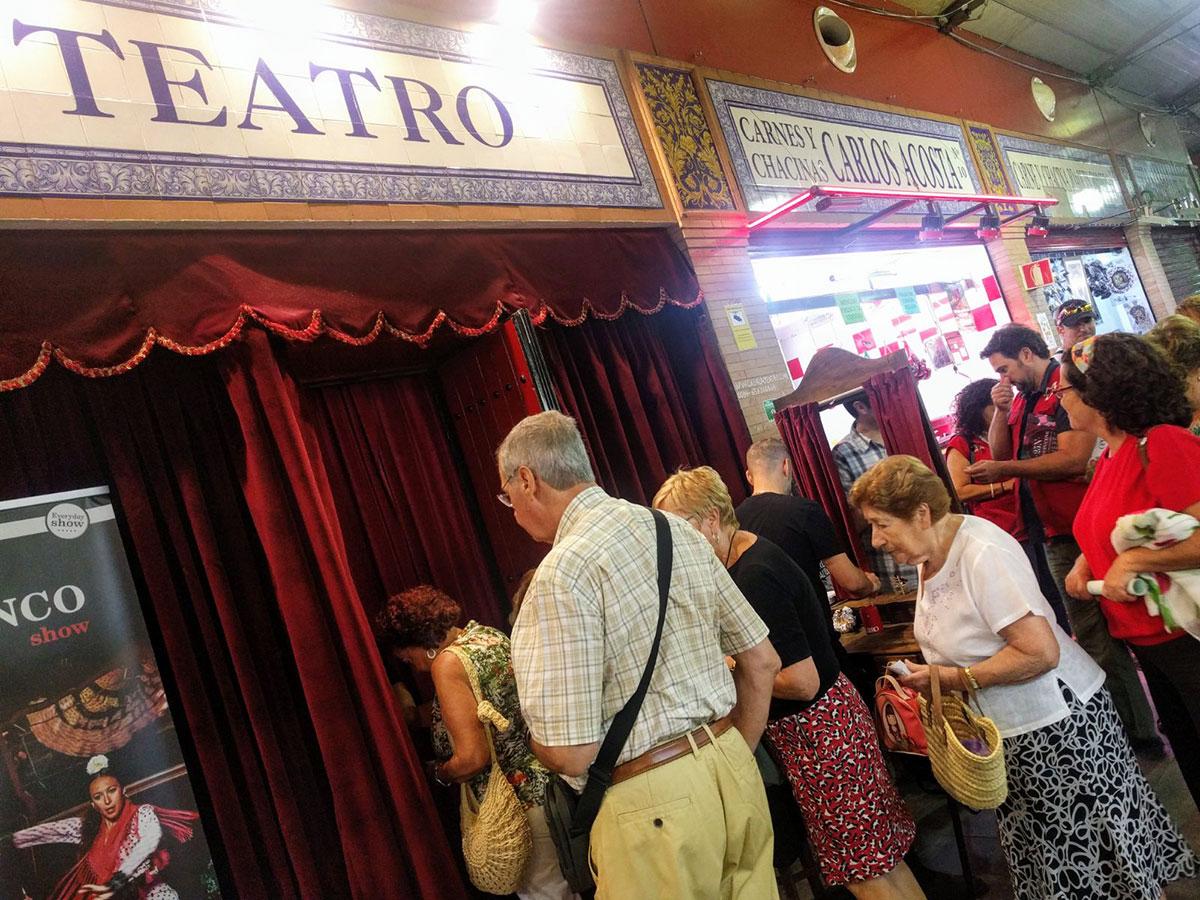 """Entrada de CasaLa Teatro, Ciclo """"Miércoles de Teatro"""" de la Cruz Roja en CasaLa Teatro."""